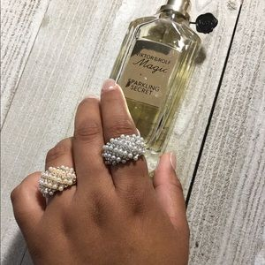 Elegant pearl and rhinestone ring